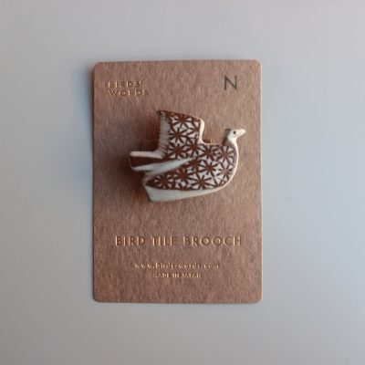 BIRDS' WORDS BIRD TILE BROOCH N main