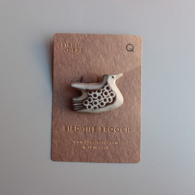BIRDS' WORDS BIRD TILE BROOCH Q main