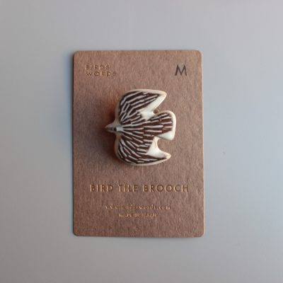 BIRDS' WORDS BIRD TILE BROOCH M main